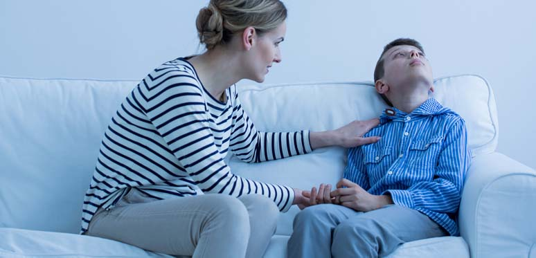 Children avoid eye contact when anxious - Dynamite News