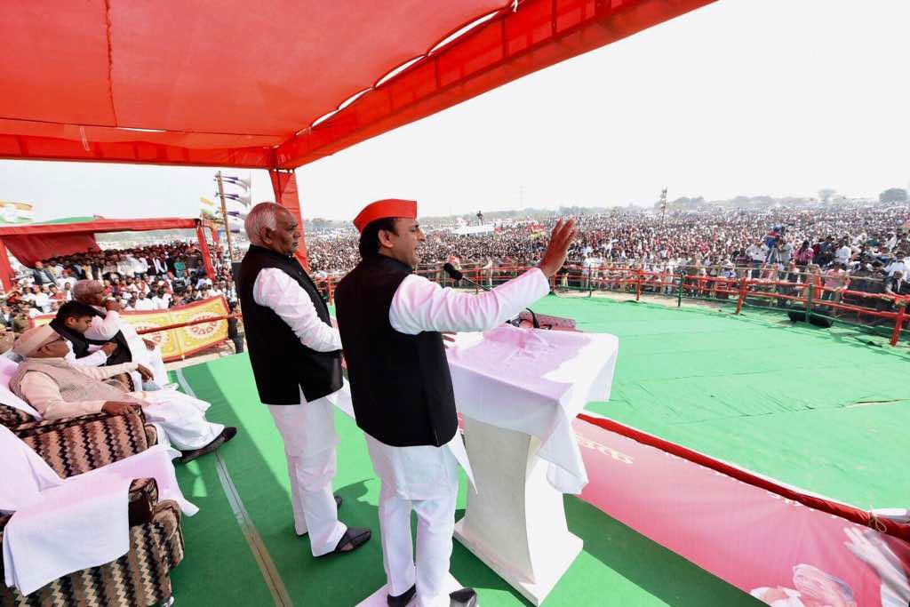 Akhilesh addressing the voters in Mulayam Singh Yadav's stronghold of Mainpuri