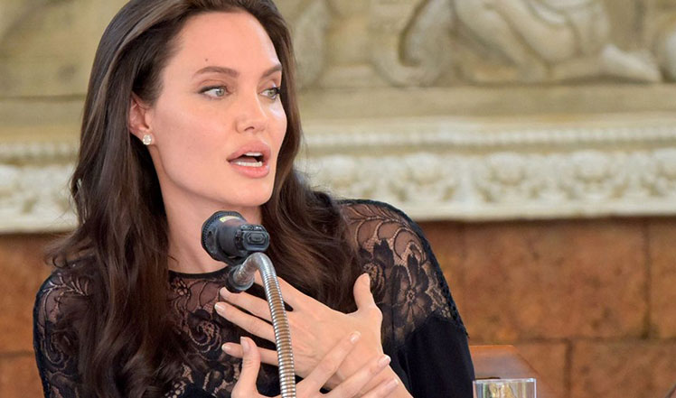 Anglina Jolie Returns to Spotlight