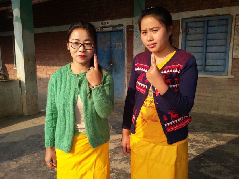 Women cast their vote in Thoubal, Manipur