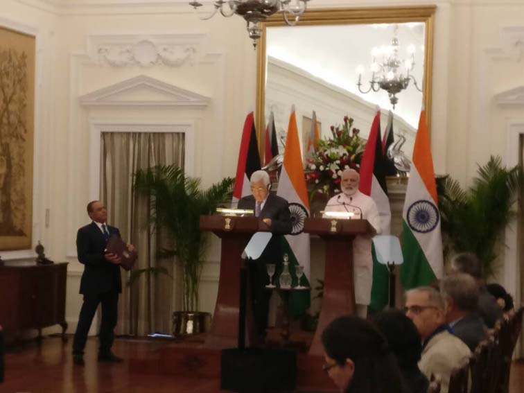 Prime Minister Narendra Modi and Palestinian President Mahmoud Abbas