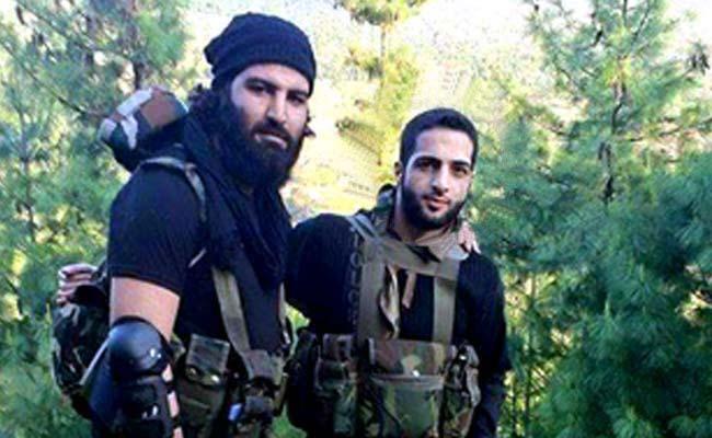 Hizbul Mujahideen (Left) commander Burhan Wani (Right)