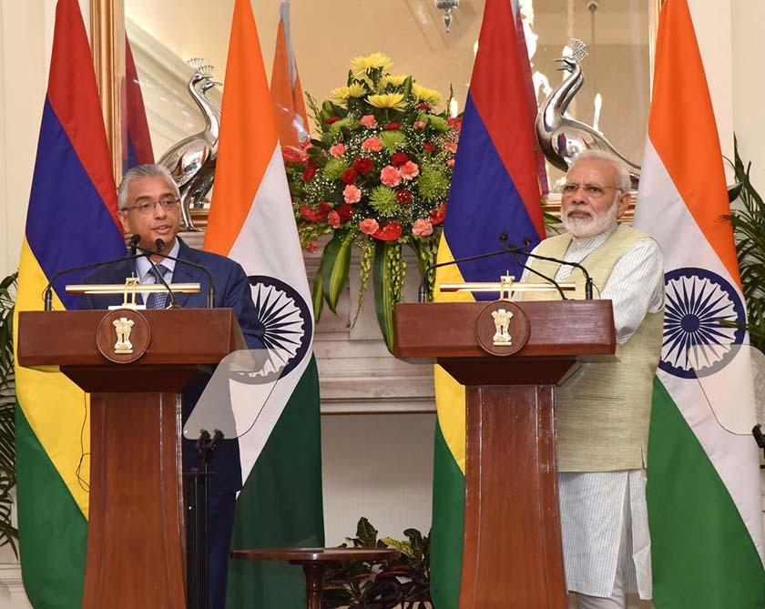 Prime Minister Narendra Modi with Mauritius Prime Minister Pravind Jugnauth