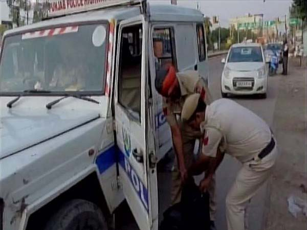 Punjab Police on search operation in Pathankot