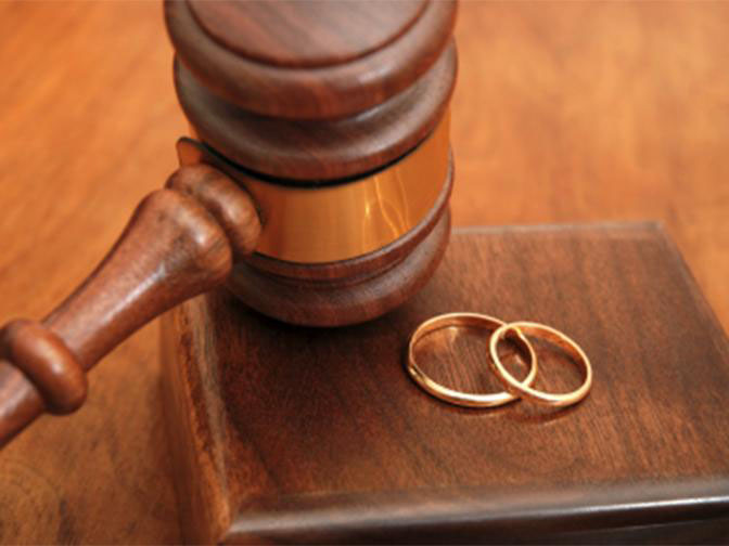 The Court ordered husband is liable to maintain his estranged wife and cannot be allowed to run away (File Photo)