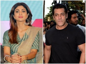 Actor Salmaan Khan and actress Shilpa Shetty at Mumbai's Andheri Police station for referring to the Scheduled Castes as 'Bhangi'