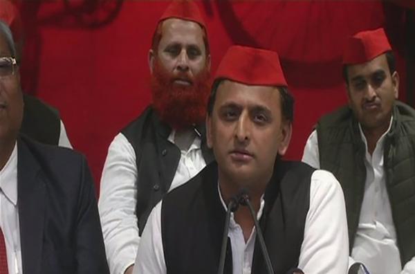 Akhilesh Yadav addressing the media
