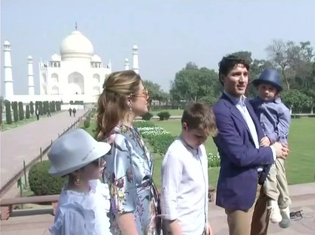 Justin Trudeau visiting Taj Mahal  with his family