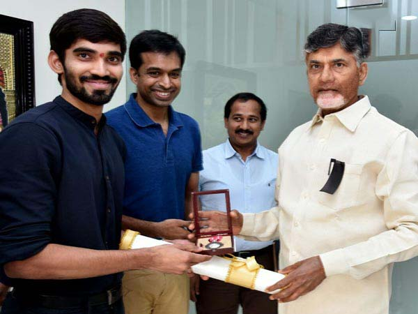 Ace Indian shuttler Kidambi Srikanth with Chief Minister N Chandrababu Naidu