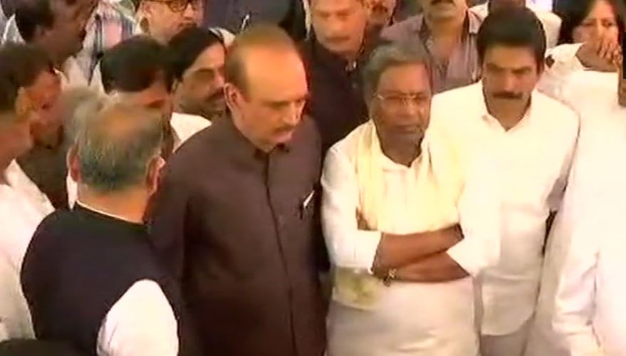 Congress leaders during Karnataka results