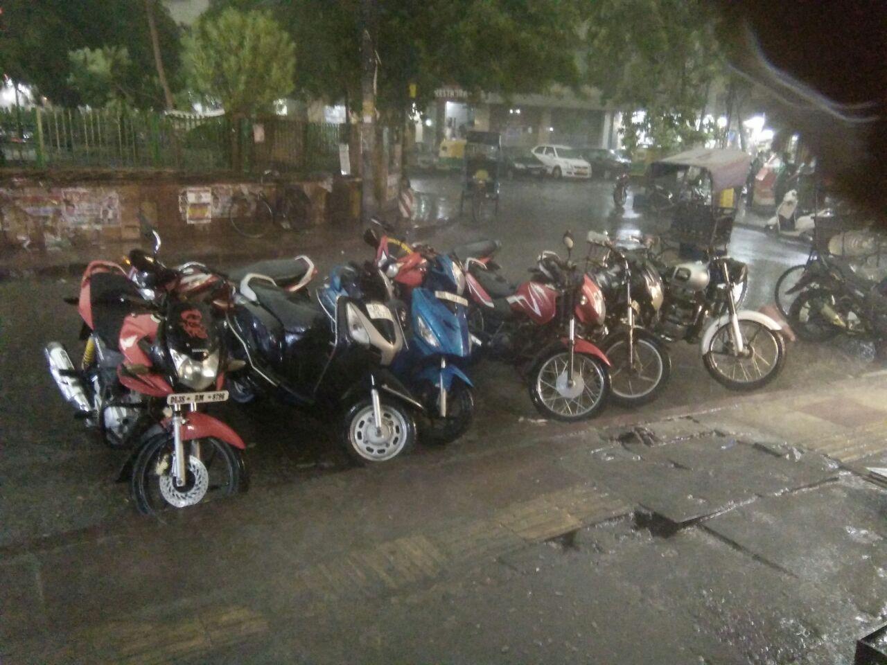 Heavy rain lashed Delhi