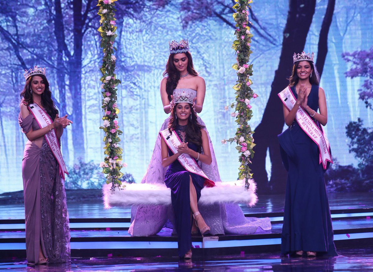 Anukreethy Vas being crown as Miss India 2018