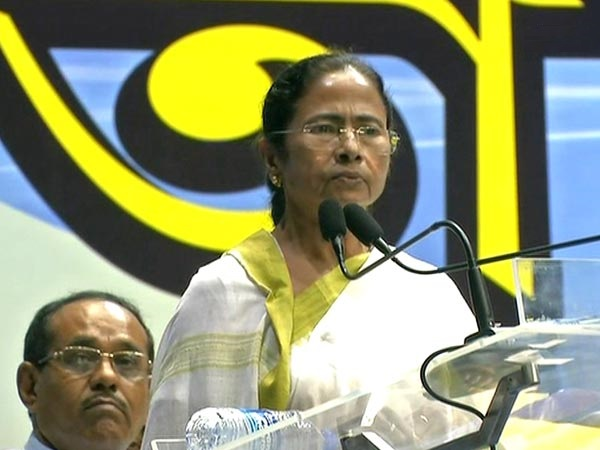 West Bengal Chief Minister Mamata Banerjee addressing a gathering