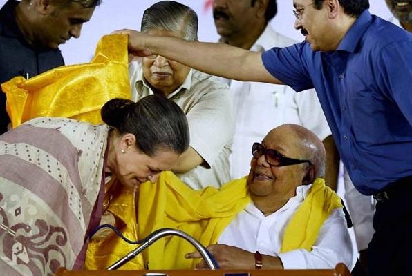 Sonia Gandhi with DMK Chief M Karunanidhi (File Photo)