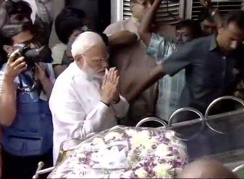 PM Modi paying his tribute to DMK chief  M Karunanidh