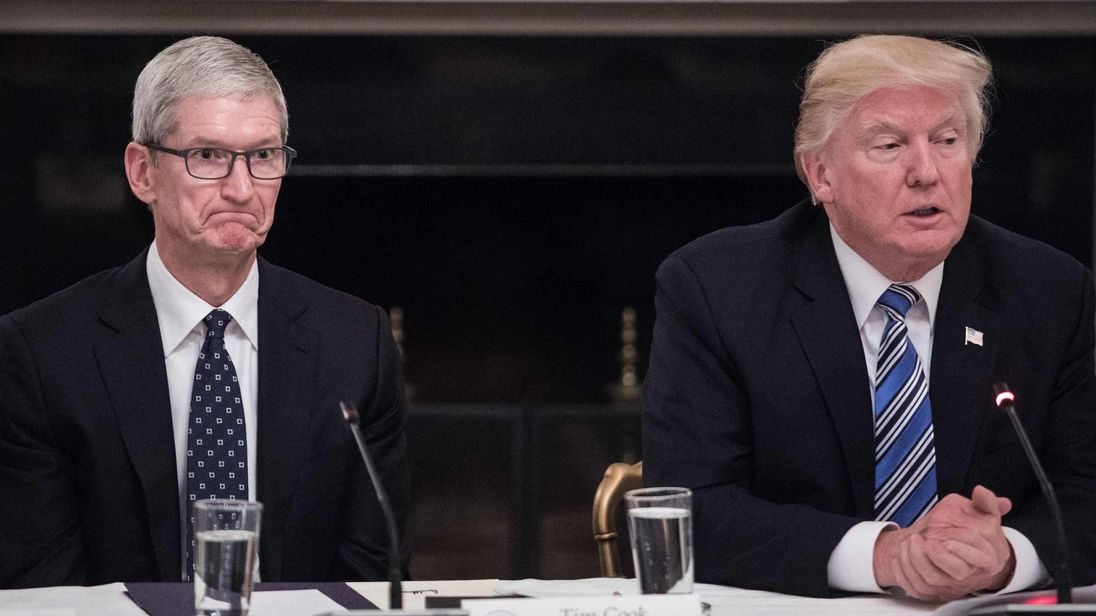 US President Trump and Apple CEO Tim Cook