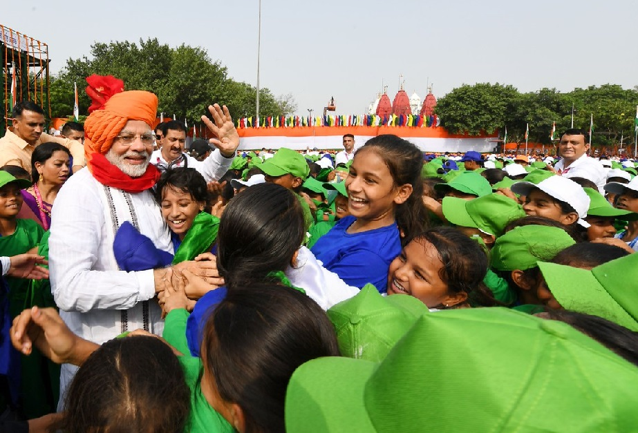 Prime Minister Narendra Modi meeting children after delivering his address from the ramparts of Red Fort in New Delhi