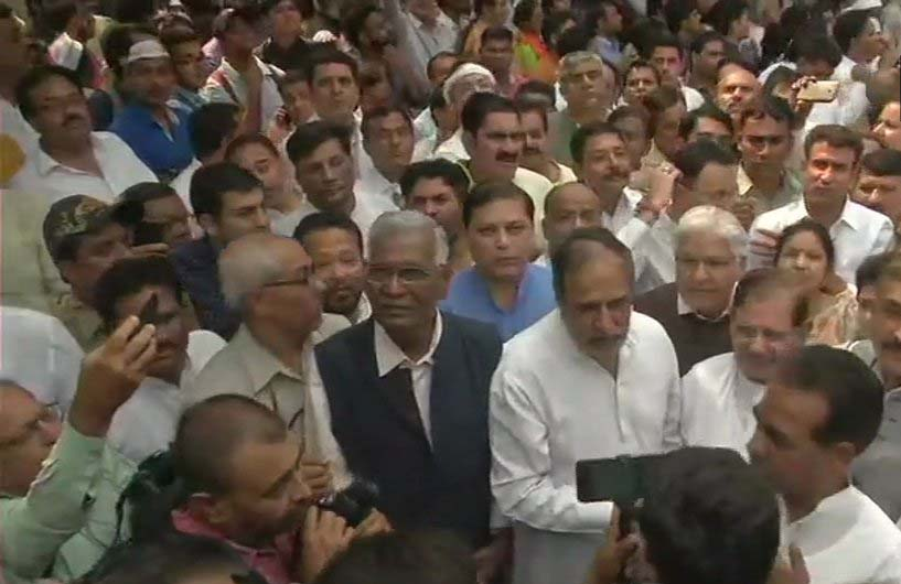 Congress Protest in Delhi led by Rahul Gandhi