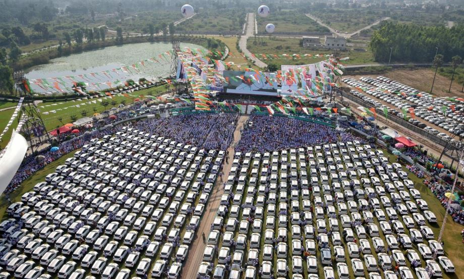 New cars, which will be distributed by India's diamond trader Savji Dholakia to his employees as Diwali gifts