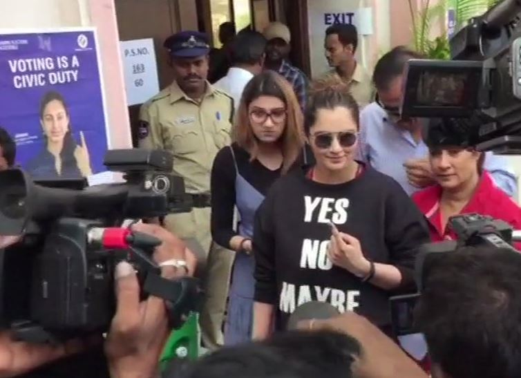 Sania Mirza cast her vote at Film Nagar Cultural Center in Hyderabad