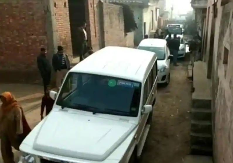 NIA is carrying out searches at 5 locations in Amroha