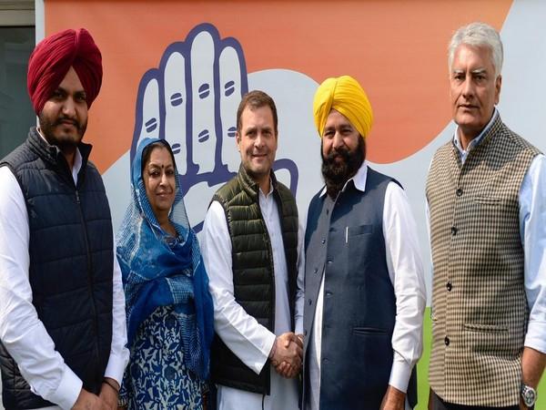 Congress President Rahul Gandhi welcomes Ferozepur MP  Sher Singh Ghubaya