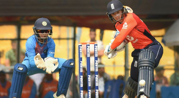 Indian women lose second T20, series to England