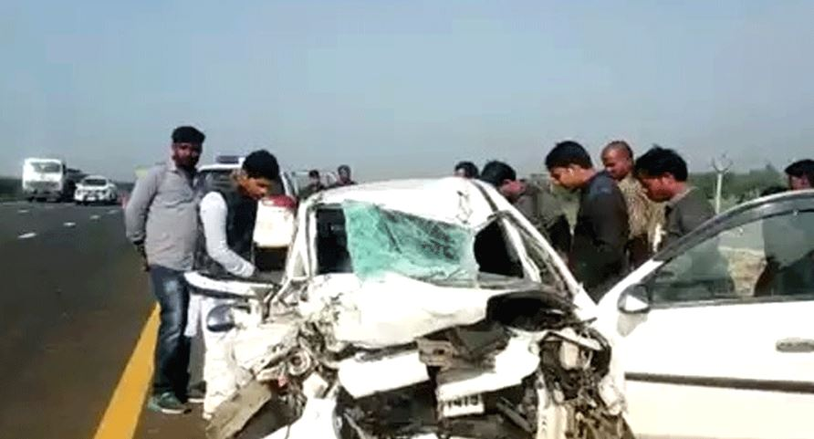 Three of family, driver killed in accident in UP