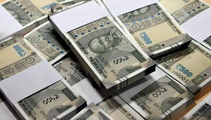 Rs 1.16 crore cash seized from car in Noida