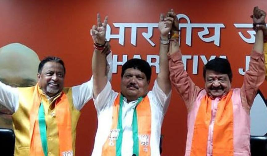 TMC sitting MLA Arjun Singh joins BJP