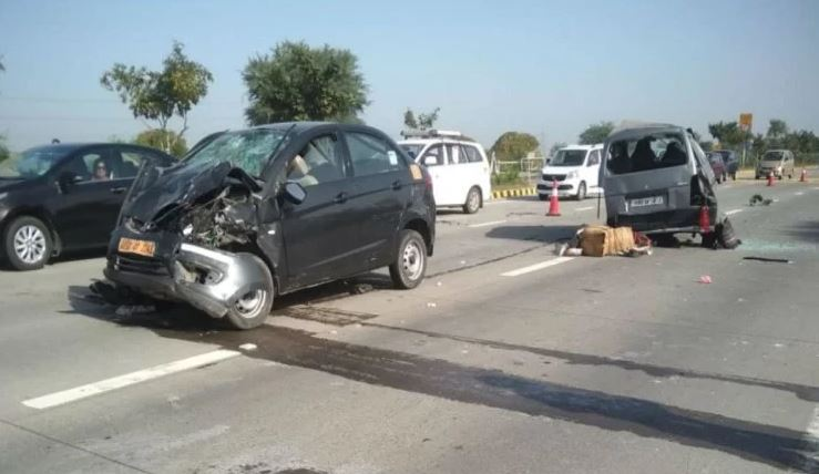 Woman dies in car collision on Yamuna Expressway