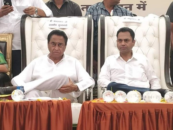 Madhya Pradesh Chief Minister Kamal Nath (left) with his son Nakul Nath (right)