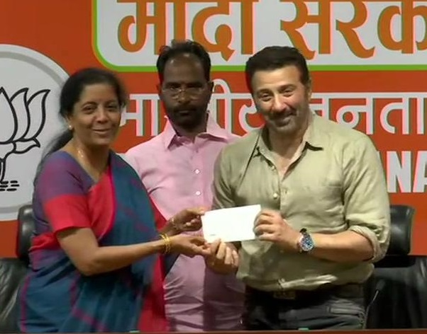 Sunny Deol Joins BJP in presence of  Piyush Goyal and Nirmala Sitharaman