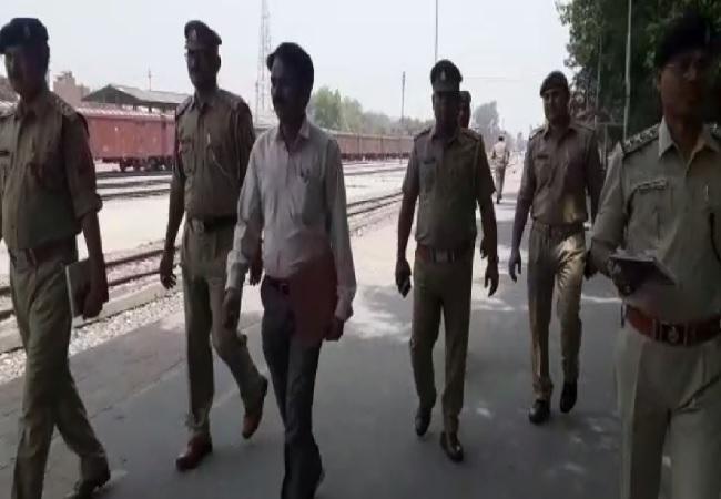 Police conducting inspection in Shamli, Uttar Pradesh