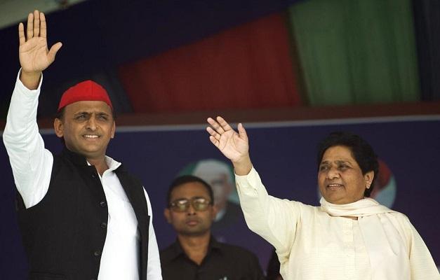 BSP Supremo Mayawati shares stage with SP President Akhilesh Yadav