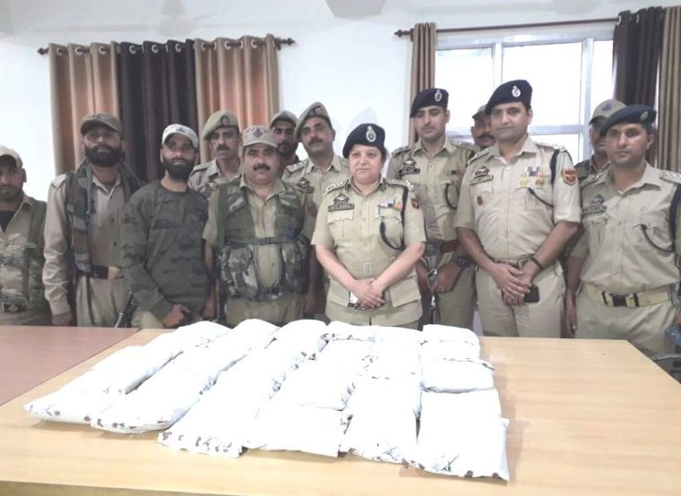 Ramban police team with seized narcotics