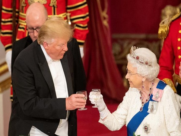 US President Donald Trump with Queen Elizabeth II at the State Banquet in Buckingham Palace on June 3