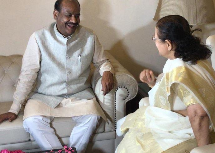 NDA candidate for the Lok Sabha Speaker's post Om Prakash Birla meets the outgoing Speaker Sumitra Mahajan
