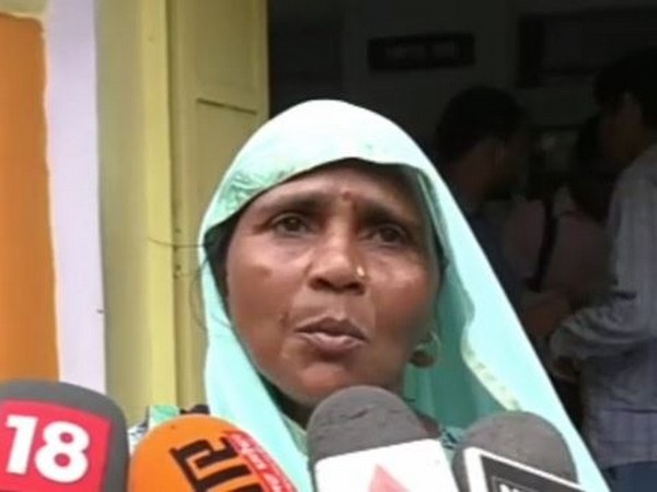 The girl's mother Sushma speaking to the media in Bareilly