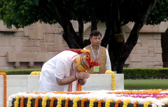 Prime Minister Narendra Modi paying tribute at Raj Ghat