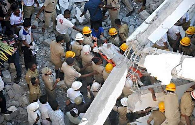Malda – 1 killed, 4 injured in roof collapse.