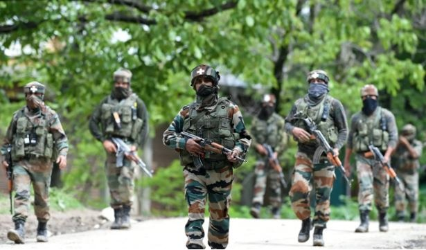 J&K: Pakistani troops shell security posts, villages along LoC in Poonch