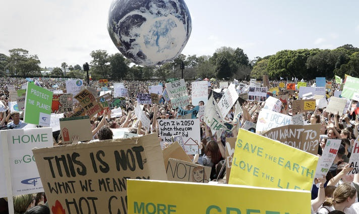 People protesting againt global climate change