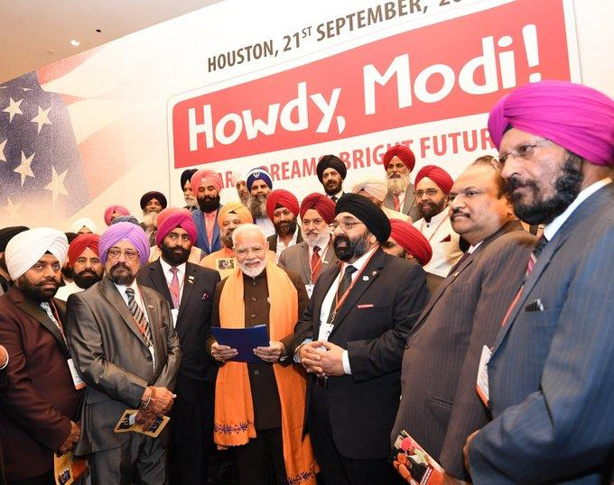 Prime Minister Narendra Modi interacted with members of the Sikh Community in Houston