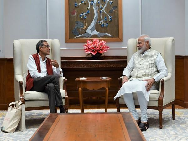 Prime Minister Narendra Modi and Nobel Prize 2019 winner Abhijit Banerjee