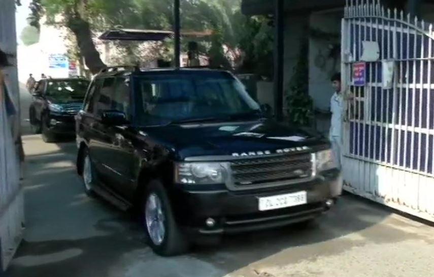 Congress president Sonia Gandhi leaves Tihar jail after meeting DK Shivakumar