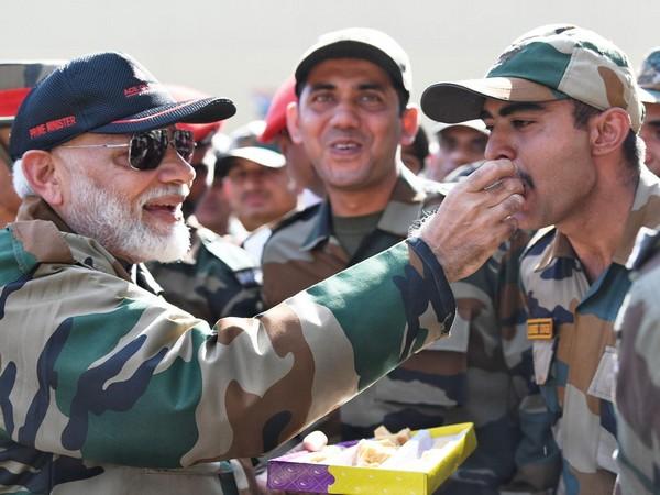 PM Narendra Modi with Army jawans in Rajouri district of J-K