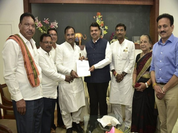 CM Devendra Fadnavis with Kishor Jorgewar (left)