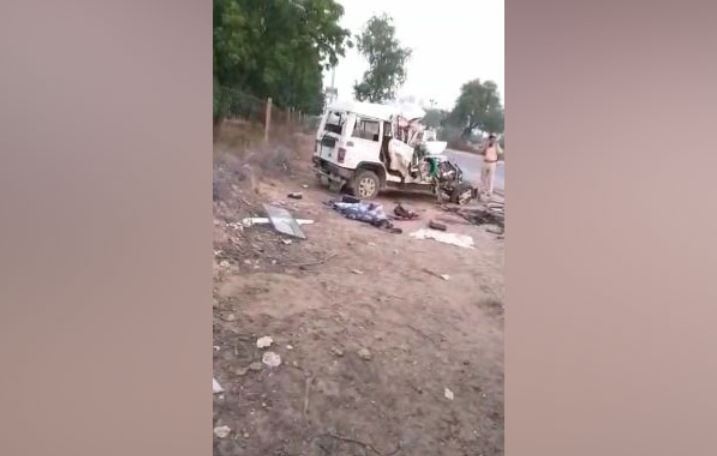 Seven died and more than five sustained injuries in a car-truck collision