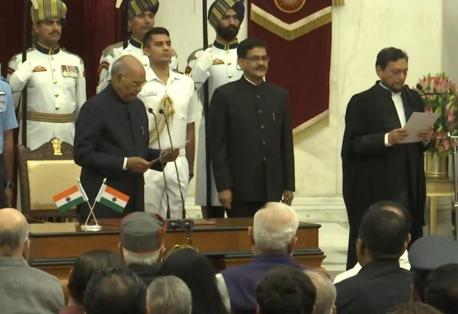 Justice Sharad Arvind Bobde taking oath as 47th Chief Justice of India